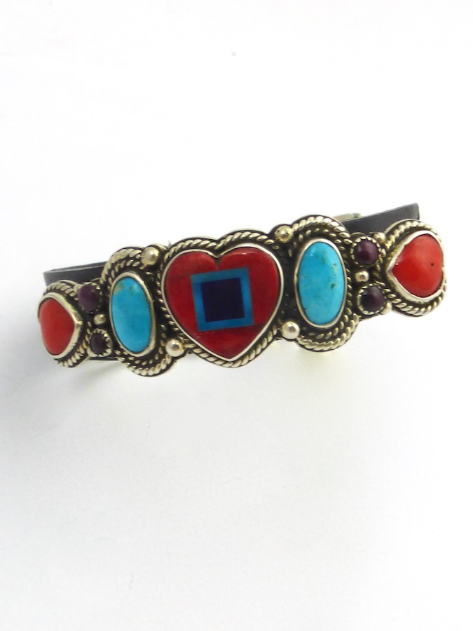 RED SPINEY OYSTER HEART LEATHER BRACELET