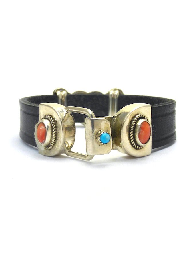 TURQUOISE SABRE WING HEART LEATHER BRACELET